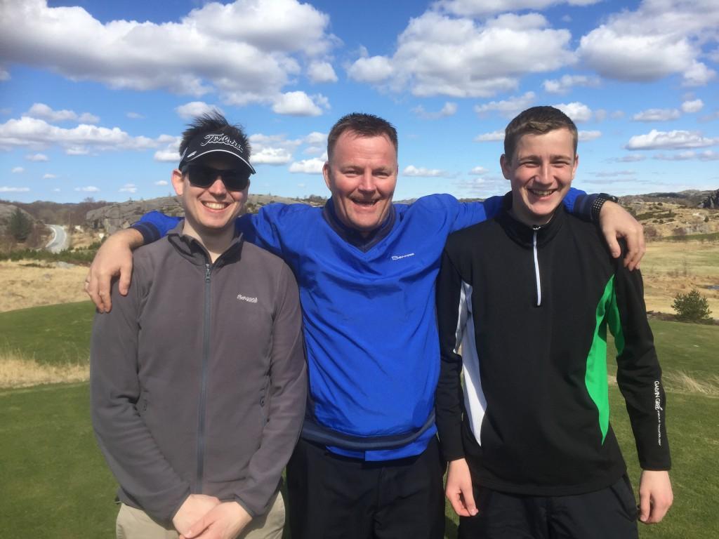 Henrik Hetland, Roger Hansen og Anders Bertelsen Tengesdal gikk til topps på søndagens dugnadscramble, med scoren tre under banens par.
